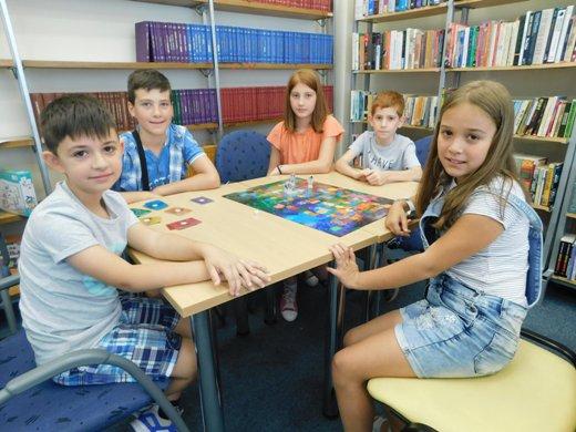 Продолжува забавата и дружбата со Board games