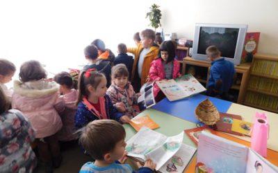 Посета на билиотеката од најмладите читатели од градикатa
